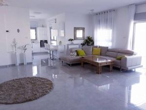 מדהים דירות למכירה בירושלים - קרית היובל VG-01