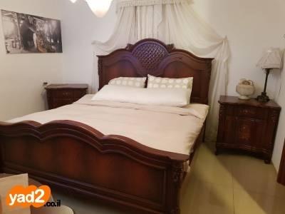 מתוחכם מיטה זוגית 2 מטר על ריהוט חדרי שינה יד שניה - ad UX-44